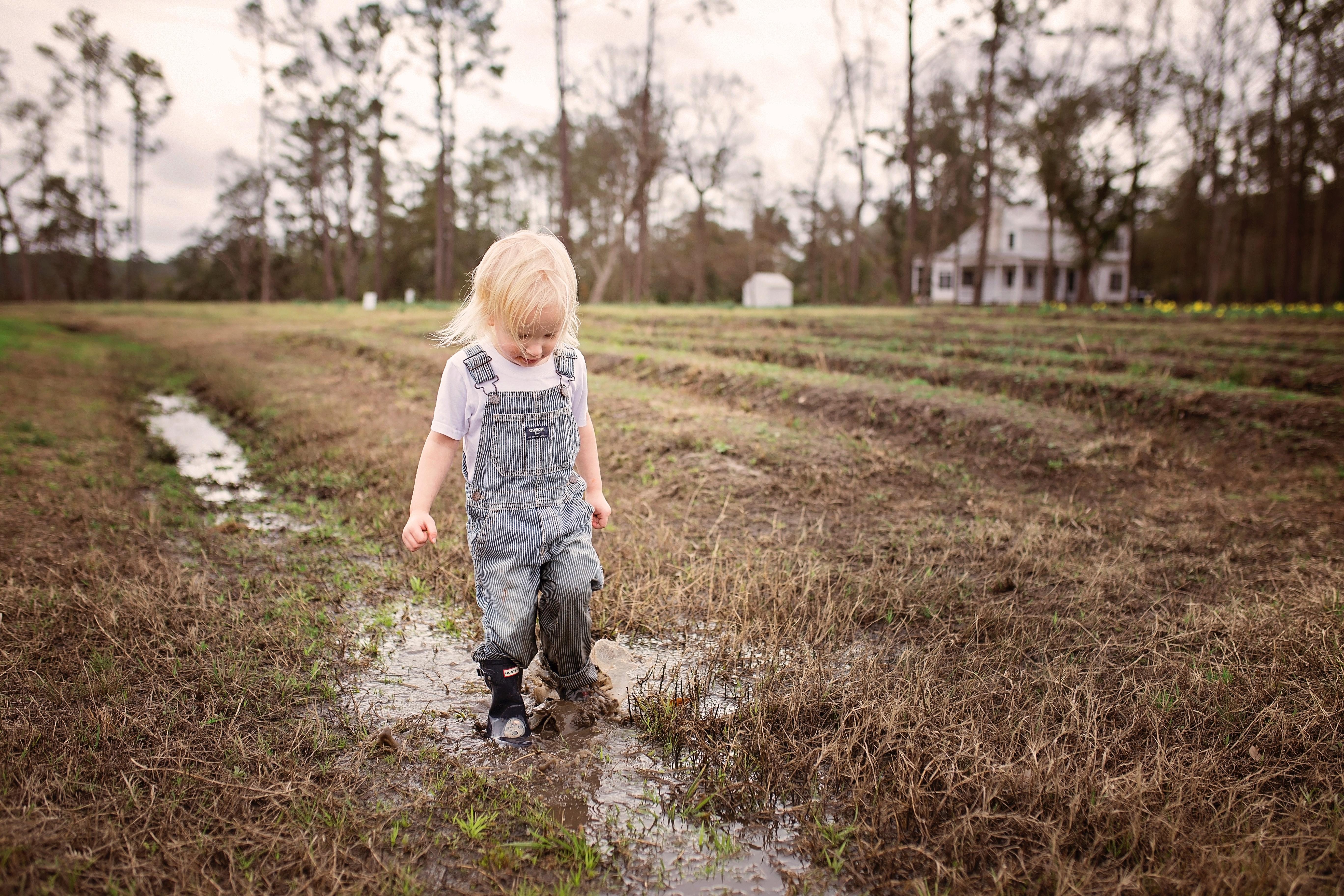Att hitta rätt kläder som passar alla slags väder och tillfällen till ditt  barn kan vara en djungel. I dag finns ett stort utbud av barnkläder 8831e5f1e1914